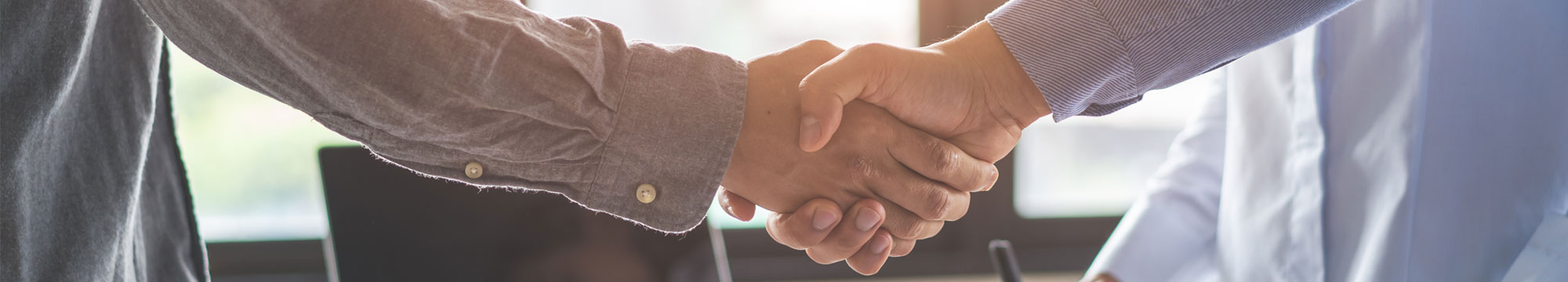 Medicorasse , el COMZ i la corredoria Mendivil signen un conveni  per reforçar el servei d'assegurances dels metges